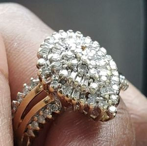 Real 10kt Gold Diamonds Ring